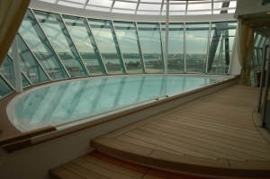 Freedom of the Seas Cantilevered Whirlpool, Deck 11